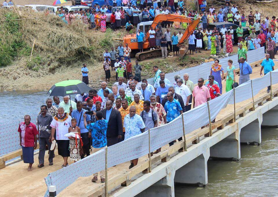 Vanuakula Crossing opening by the Honourable Prime Minister